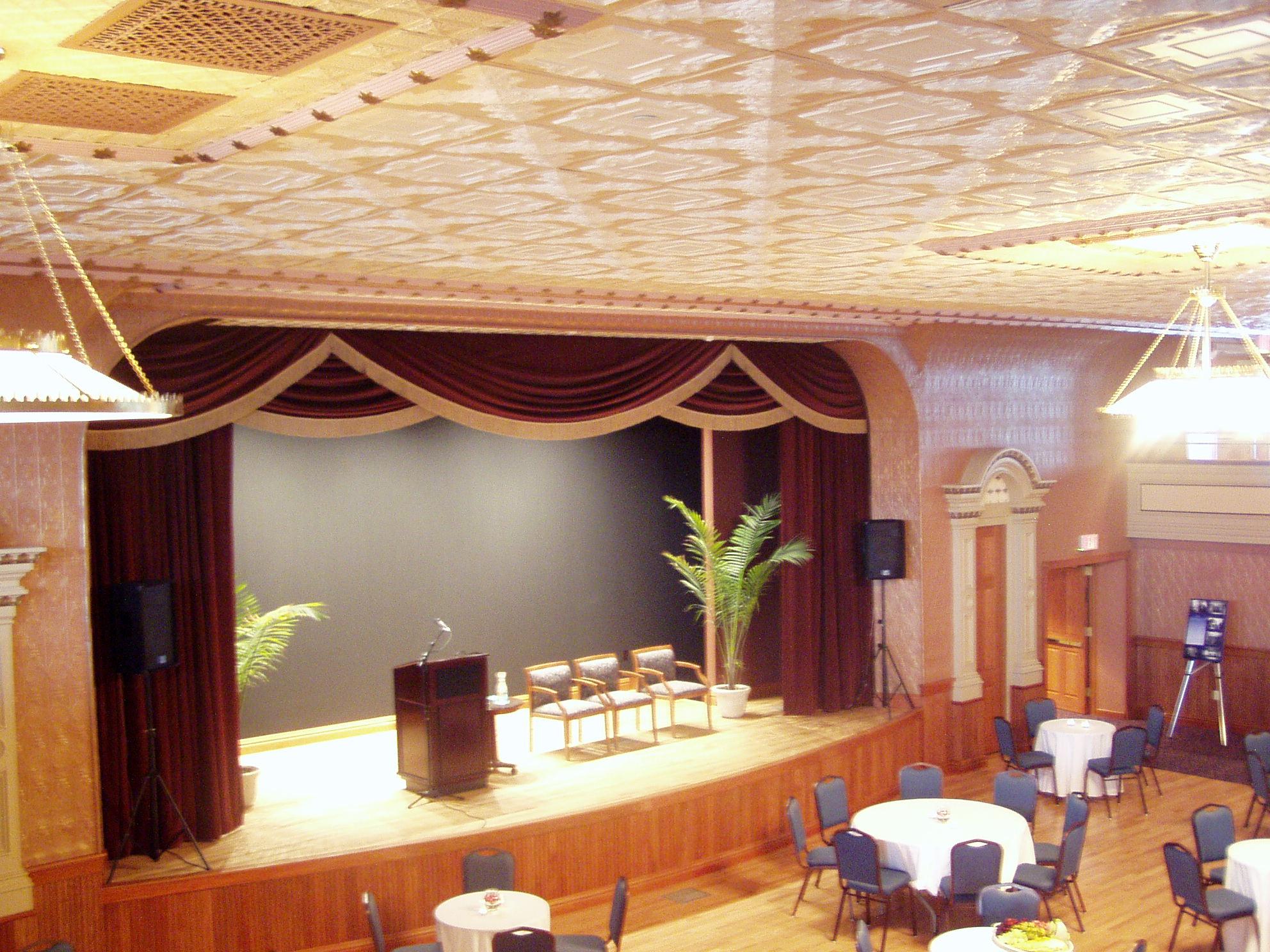 Hotel Winneshiek, Steyer Opera House