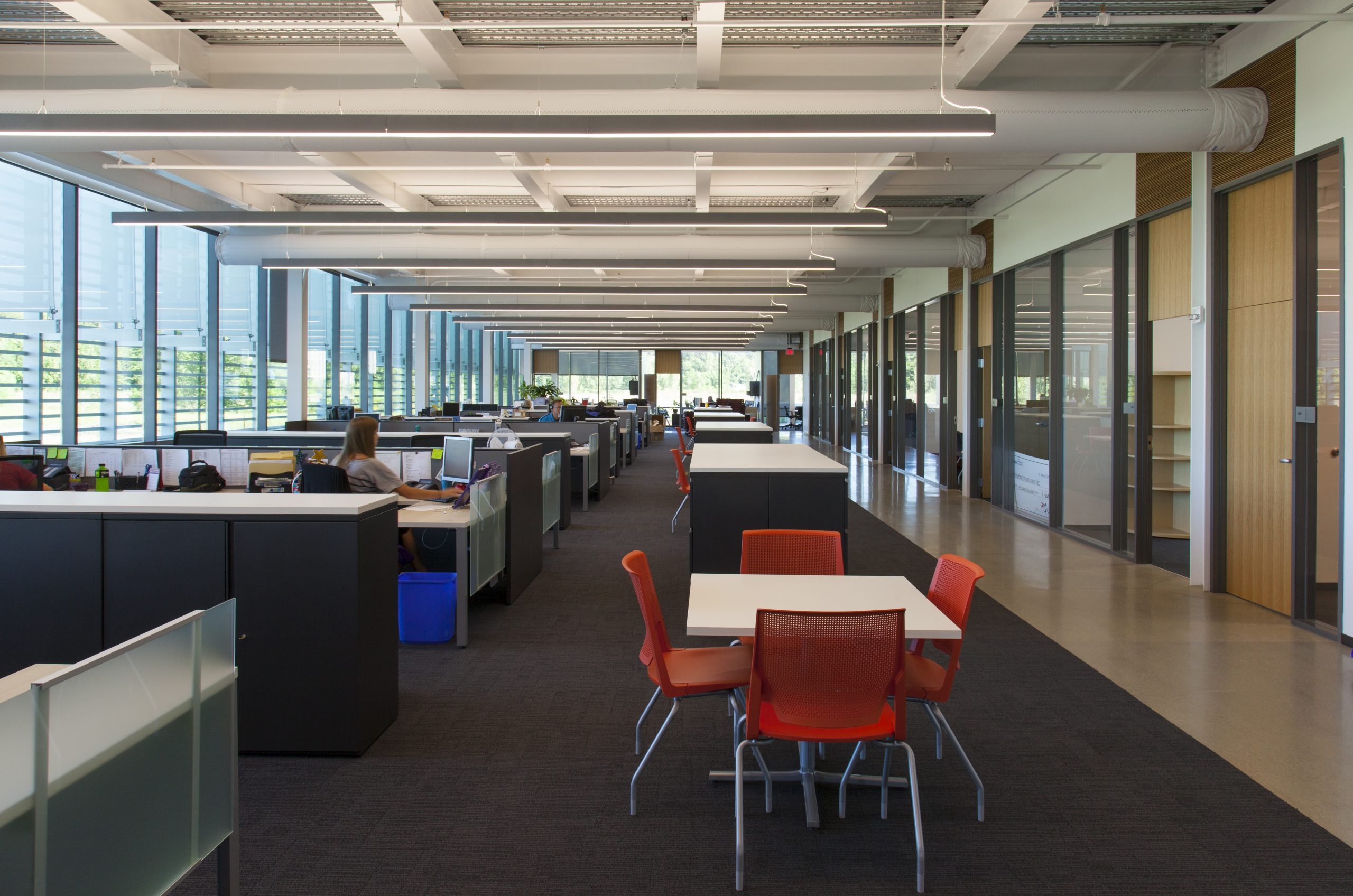 Office and cubical space for the Des Moines Municipal Service Center