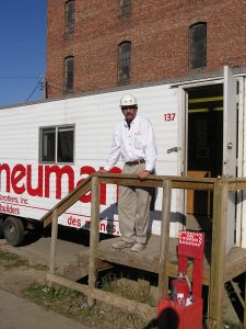 Henry Putney in 2003 at the Iowa Science Center jobsite